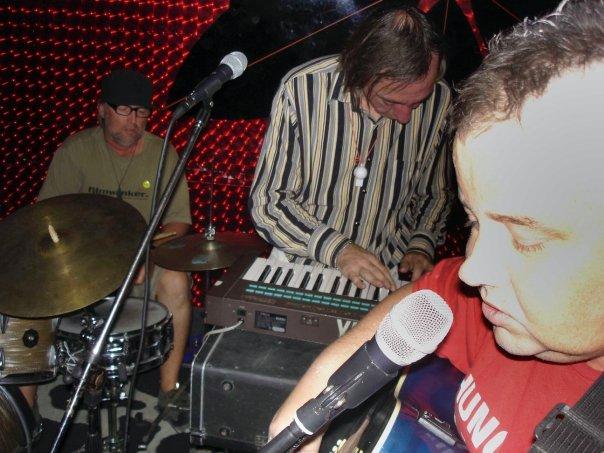 Songs by Axemen - Steve's Hair by Birdstock